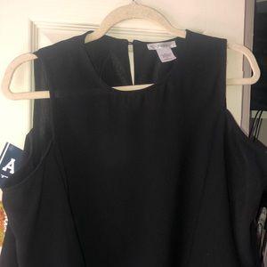 Esley shoulderless black top